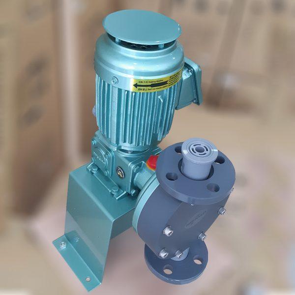 Bơm định lượng hóa chất Nikkiso là dòng bơm công nghiệp dùng trong xử lý nước thải