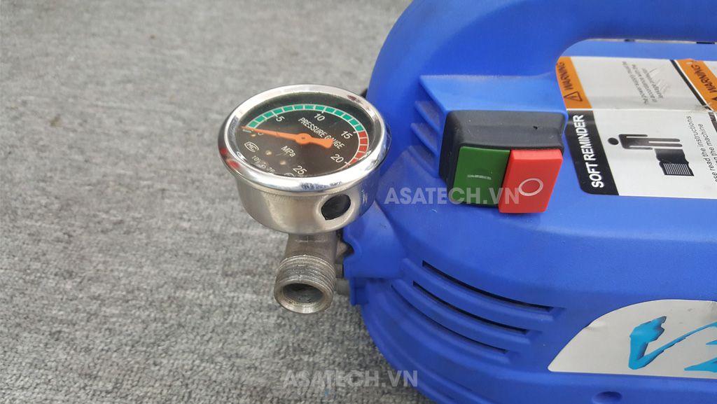 TonySon V2 được trang bị đồng hồ đo áp lực