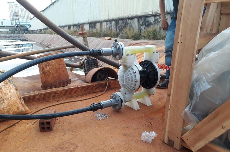 Bơm màng khí nén TDS dùng bơm Axit tại nhà máy xử lý nước thải khu công nghiệp sóng thần 2.