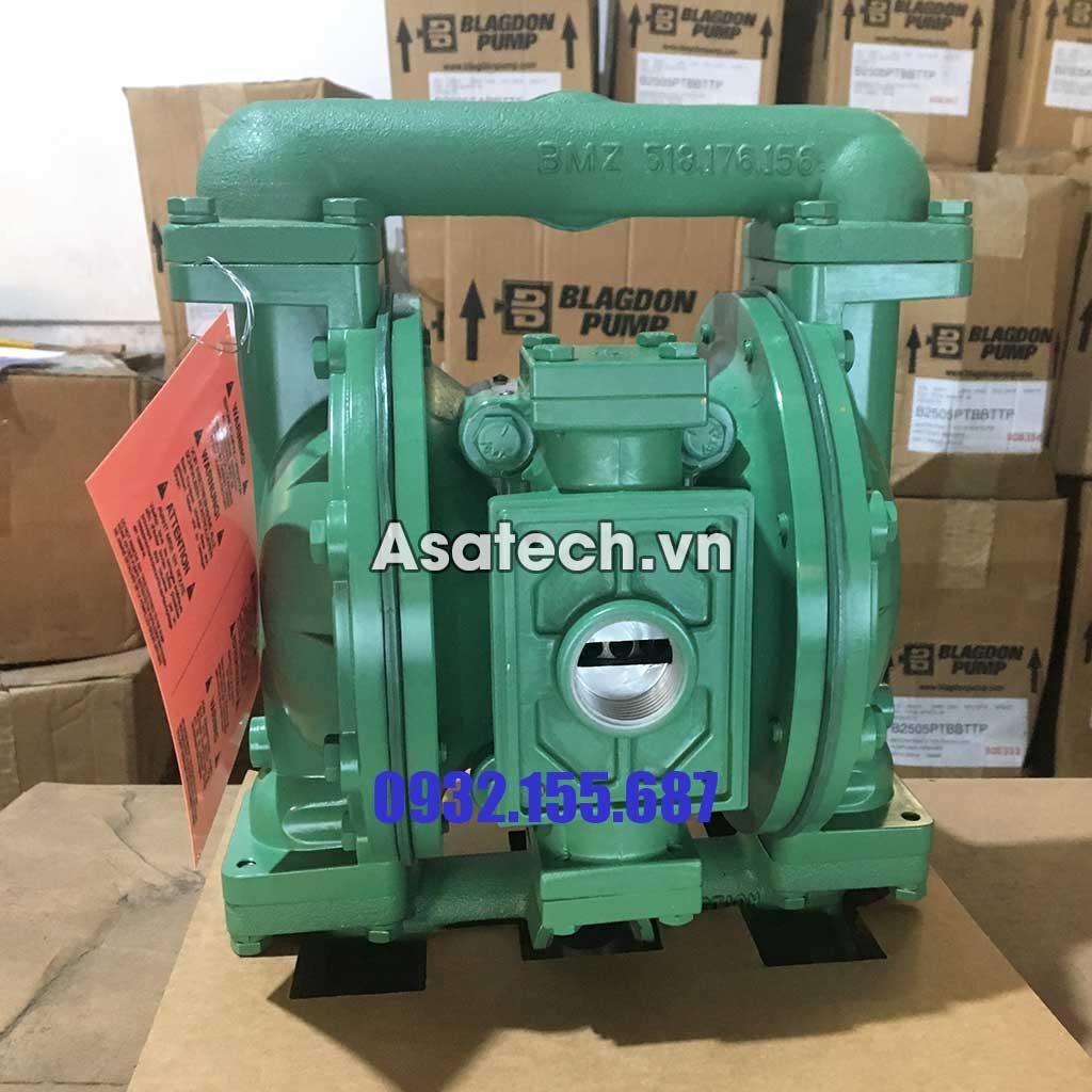 Máy bơm màng khí nén Marathon thân nhôm màng Teflon là dòng máy bơm dầu nhớt chuyên dụng trong các nhà máy, khu công nghiệp, cơ sở kinh doanh xăng dầu...