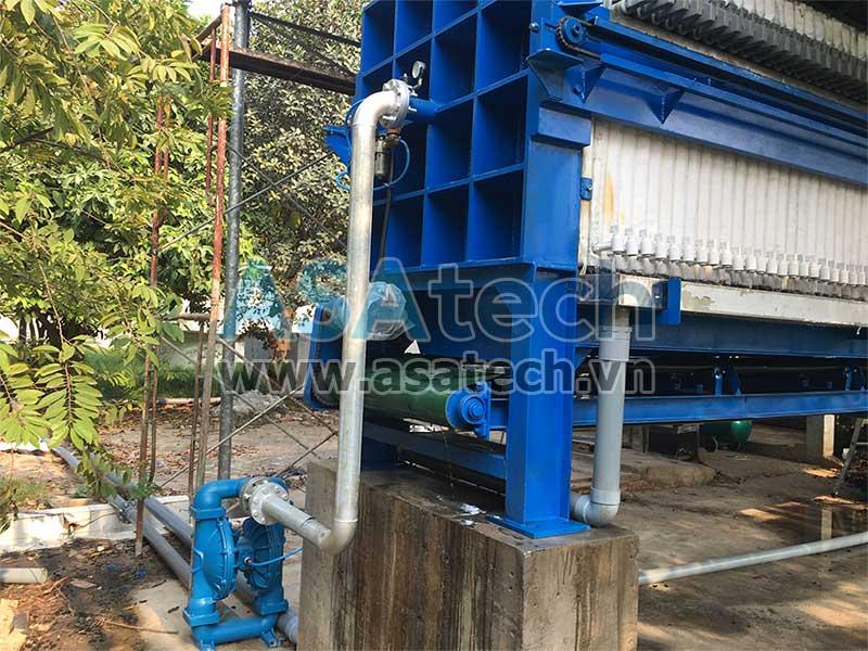 Máy bơm màng nước thải Sandpiper tại nhà máy